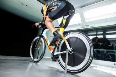 2015-diamondback-serios-tt-triathlon-bike-2